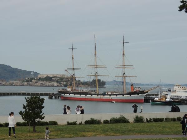 Schooner à l'ancre dans la baie de SF