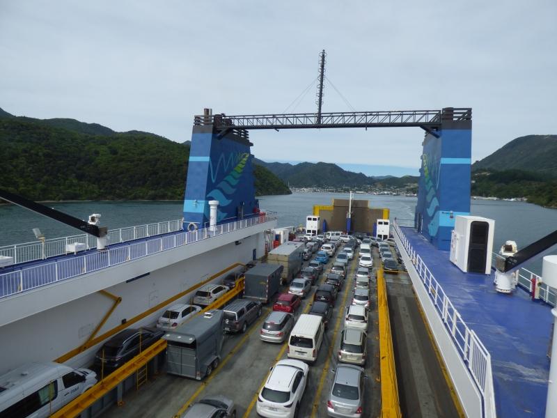 12 Le ferry quitte Picton_01