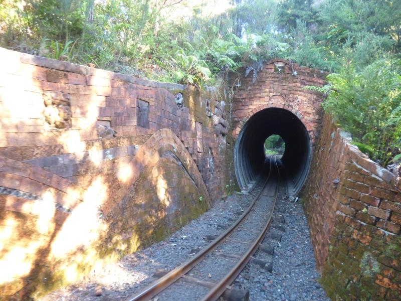 18 Tunnels_01