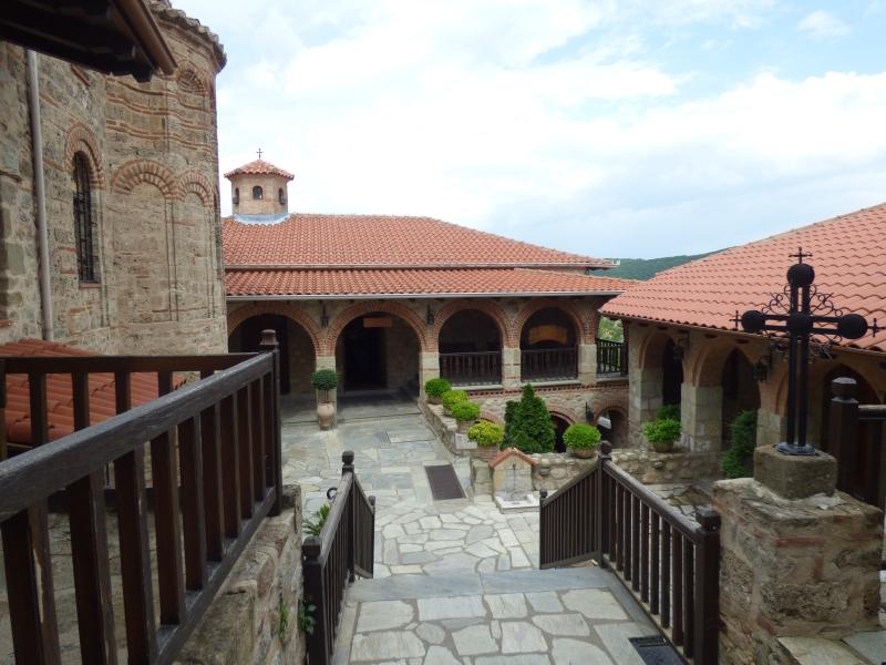 07 Dans le monastère