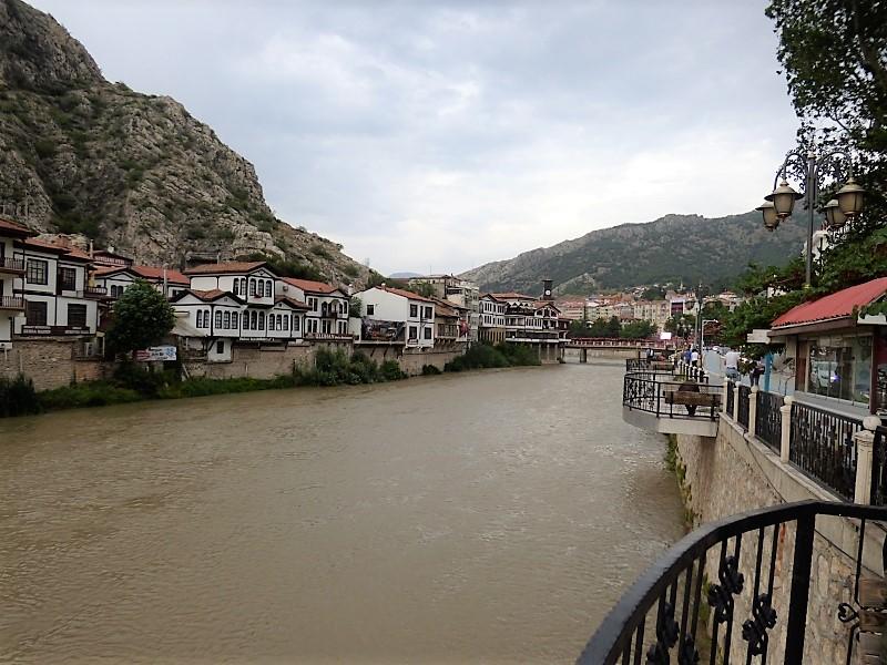 28 Amasya et son fleuve