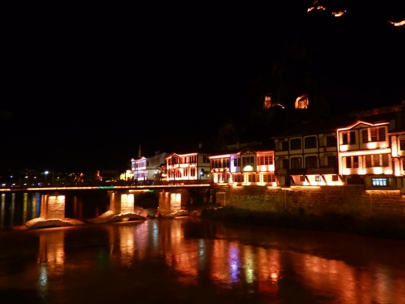 34 Amasya de nuit