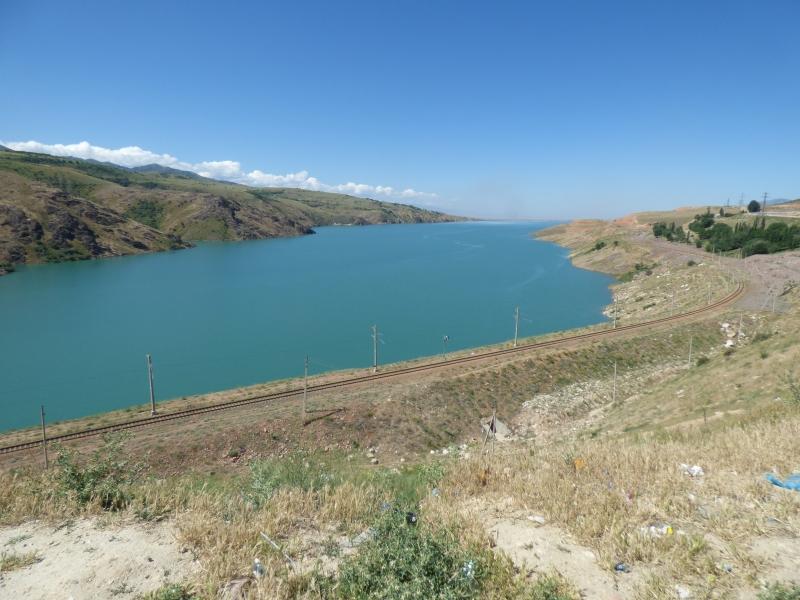 741 En approchant la frontière entre Ouzbékistan et Kirghistan