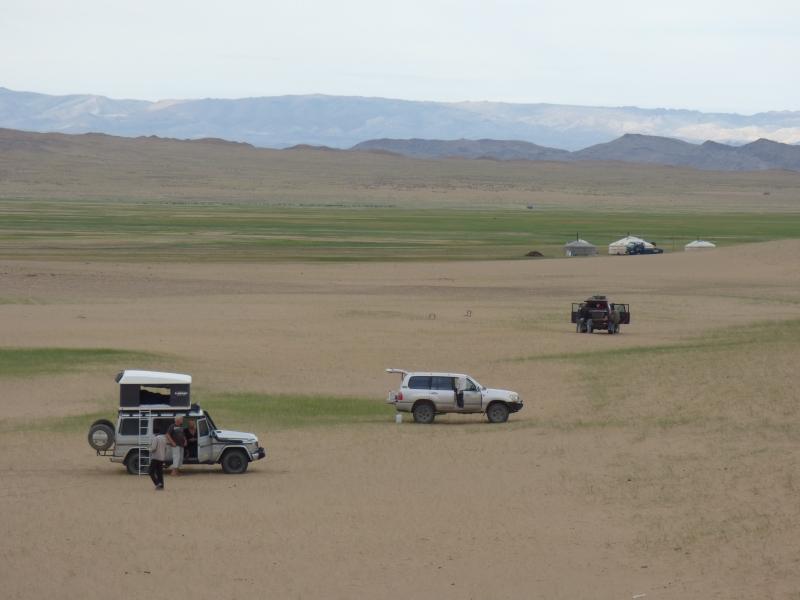 812 Bivouac dans la steppe mongole
