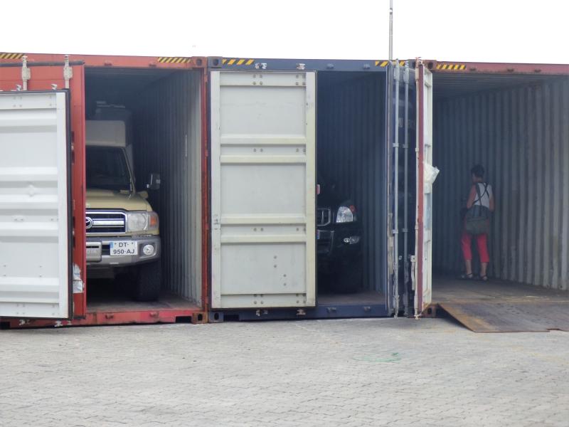 880 Empotage des véhicules à Tanjin